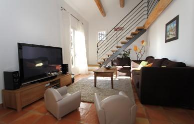 tout savoir sur le mas de la sauterelle. Black Bedroom Furniture Sets. Home Design Ideas